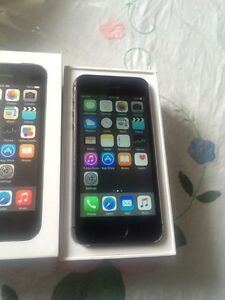 iPhone 5s Rogers/Chatr. Space Grey. Mint. Box+Charger included.
