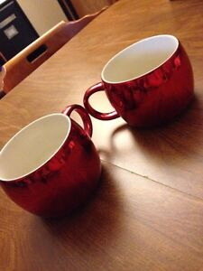 Metallic red ceramic coffee mugs