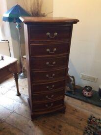 Beautiful Hardwood 7 Drawers slim Dresser / Chest