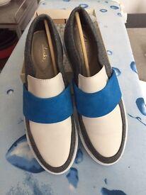 New unworn clarks shoes 5.5