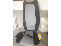 HoMedics 3D Shiatsu Heated Back And Shoulder Massage Chair *LIKE NEW* (LOCATED IN LIGHTWATER)