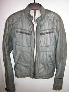AUTHENTIC MENS DIESEL LEATHER JACKET SIZE SMALL