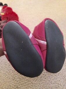 Robeez easy on 18-24 mnth winter boots Strathcona County Edmonton Area image 2