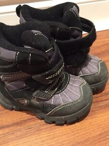 Childrens Place Boys Winter Boots Size 8