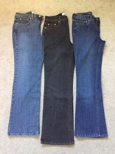 3 Pairs Ladies Jeans Gently Used (10)