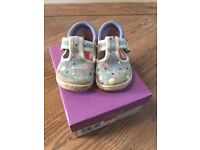 Lovely Pair of Girls Clarks Shoes Size 4