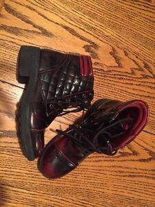 Shoes, Hightop's, and Airwalks Cornwall Ontario image 1