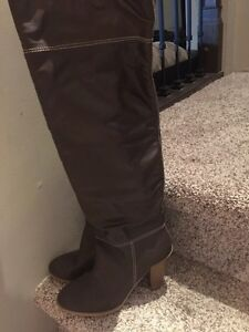 Brand new Women boots size 8
