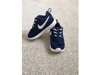 Nike Roche trainers infant