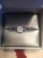Beautiful 0.65 ct princess cut white gold engagement ring