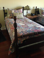 antque mahogany 4 pce bed room set