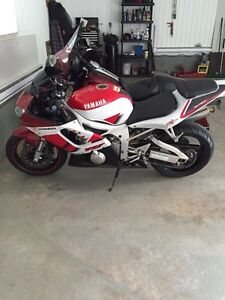 Yamaha R6 in Excellent condition
