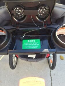Expedition ELX jogging stroller with MP3 speakers Sarnia Sarnia Area image 4