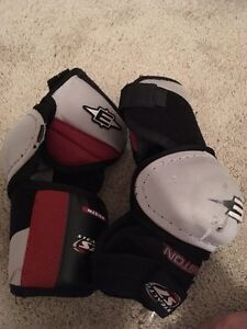 Easton Stealth S7 Medium elbow pads