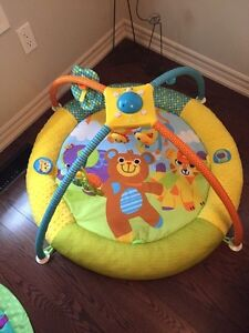 Play mat with mobile London Ontario image 3