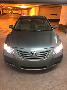 2007 Toyota Camry.. very low km..1owner