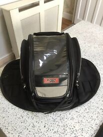 Magnetic expandable tank bags Ultimate Speed