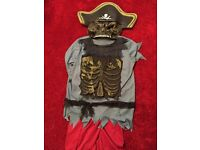 Halloween pirates outfit