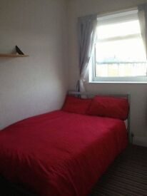 Standard double room for rent in shared house with 2 other working tenants £350 monthly all bills in