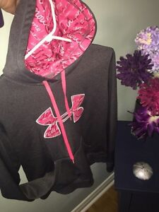 Women's medium pink/grey under armour hoodie