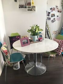 Large dining room table and 4 chairs