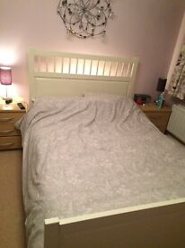 *Reduced* White 4 ft 6 Double Bed Frame