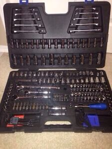 mastercraft 233-piece socket set