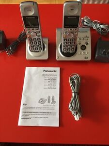 EXCELLENT PANASONIC DIGITAL ANSWERING 2 HEADSETS