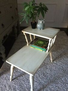 Shabby chic side / end table