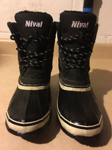 Women's Nival Winter Boots Size 7.5 London Ontario image 5