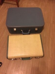 2 Hard Case Suit Cases (luggage)