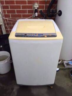 large/great working 8 kg NEC top washing machine, can delivery at