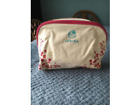 Liz Earle Limited Edition Bag