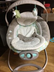 Matching bouncy chair and swing for sale! Excellent condition.
