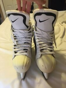 New in box size 11 Nike air exalt RARE