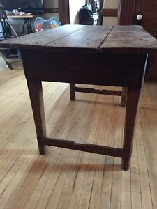 Antique Table and 4 chairs Kitchener / Waterloo Kitchener Area image 3