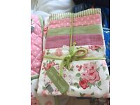 BRAND NEW! Tea towel set
