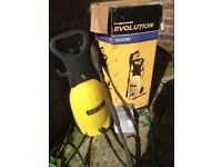 EVOLUTION 1800 WATT PRESSURE WASHER