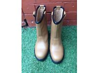 *** Work / Rigger Boots Size 7 *** £20