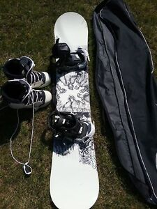Mens Snowboard Boots, Bundings, Bag