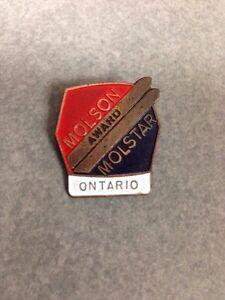 Molson award ski pin Ontario