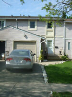 3br - Waterdown Townhouse for Rent