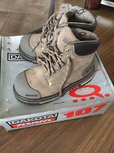 Dakota women steel toe work boots