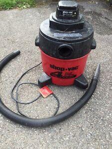 4 Gallon wet/dry shop vac
