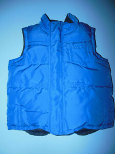 Boys Reversible Vest  Old Navy Size 2T Worn Once Belleville Belleville Area image 2