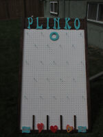 Plinko  kissing game and easel  for rent