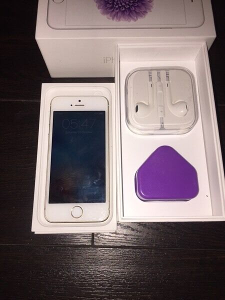 iPhone 5s 16GB Gold Unlocked PERFECTin Hemel Hempstead, HertfordshireGumtree - iPhone 5s 16GB GoldUnlocked to any networkPerfect condition and perfect working order The phone comes boxed with a charger and brand new headphones, the phone has been well looked after, theres not a scratch on it