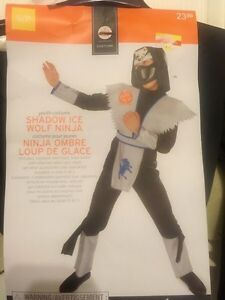 Ninja wolf Halloween costume / outfit, new like condition, 4-6T