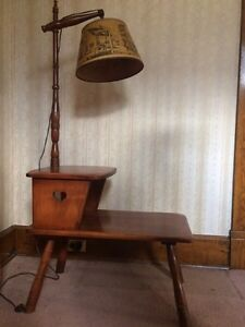 Solid maple end table with lamp, Cushman, Vermont. London Ontario image 1