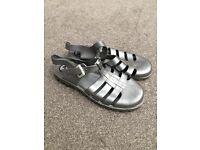 JuJu jelly sandals - size 5